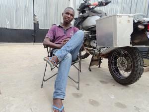 Gustave - 32 Jahre alt und mein sauberes Motorrad