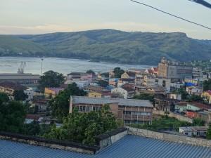 Matadi -Blick vom Hotel auf Fluss und Stadt