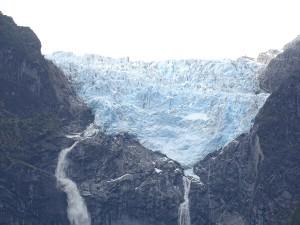 der hängende Gletscher Nationalpark Queulat