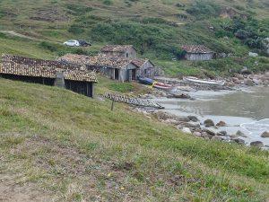 Die Boote werden für den Fischzug vorbereitet Bootewerden v