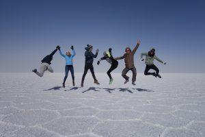 meine Reisegruppe, kein Schnee sondern der Salzsee
