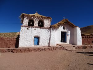 Dorfkirche in den Anden auf 4000m