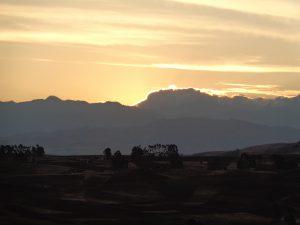 und zum Ab schluss noch einmal einen Sonnenuntergang im auf kanpp 4000 m